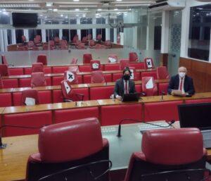 Vereadores vão ao plenário da Câmara de João Pessoa cobrar volta das sessões híbridas